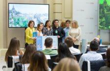 """Los alumnos del IES Bécquer, finalistas a nivel nacional en el V Concurso """"Finanzas para todos"""""""
