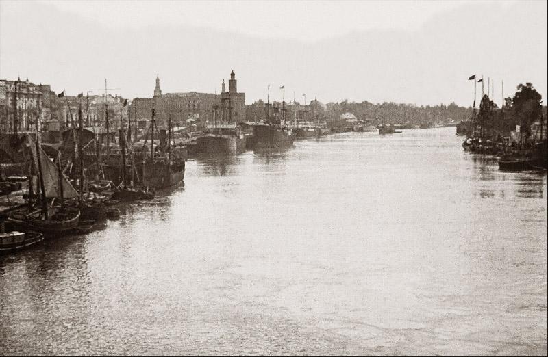 vista desde el puente de triana Alrrededor de 1900