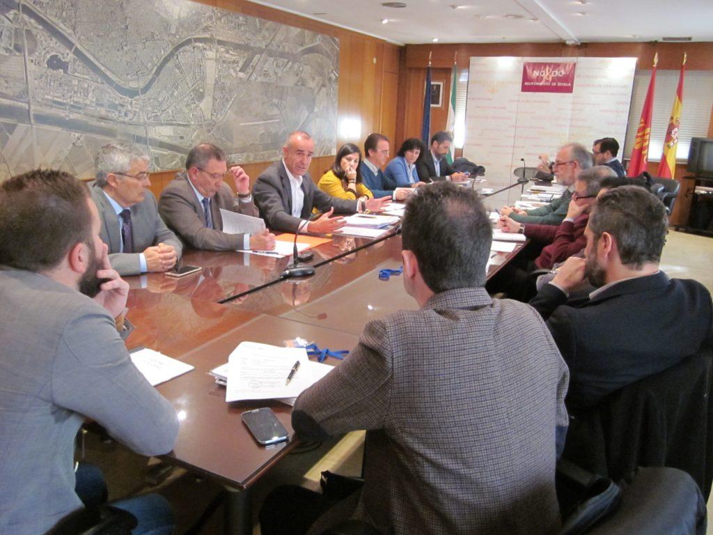 Reunión  en el Ayuntamiento sobre la ordenación de veladores en la cuidad