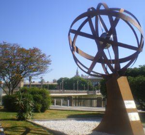 Milla cero, Triana, escultura