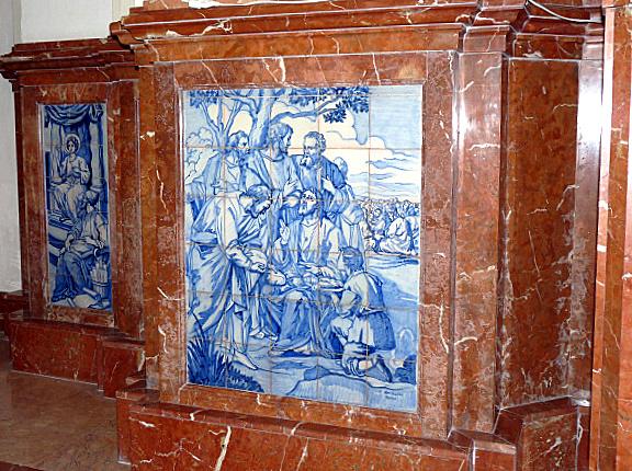 Pilar III-Esquina crucero izq, bajo púlpito