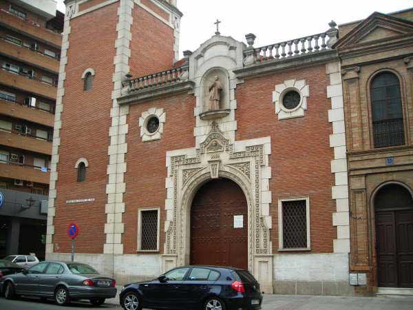 Triduo a la Milagrosa. Iglesia de San Vicente de Paúl en la Calle Pagés del Corro en Sevilla