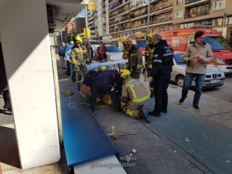 Accidente caída de cartel