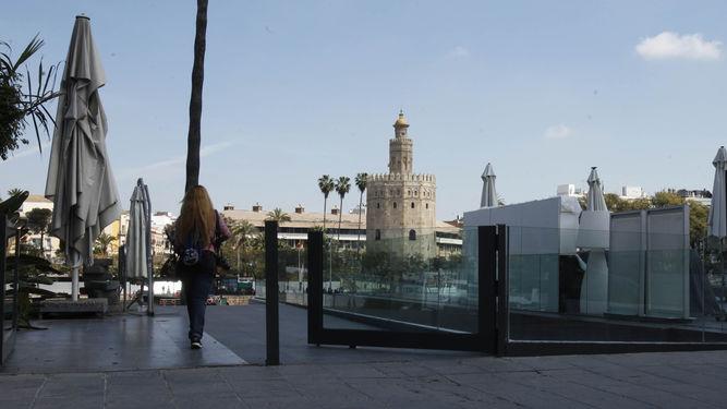 puerta-cristal-impedia-ciudadanos-Betis