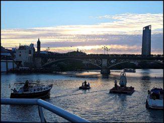 Procesión fluvial, Carmen Puente de Triana,