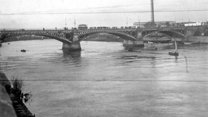 Puente de Triana, tranvía,1921