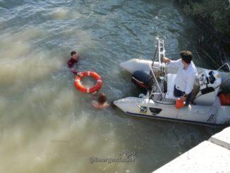 hombre rescatado, salvamento en el río, julio 2018